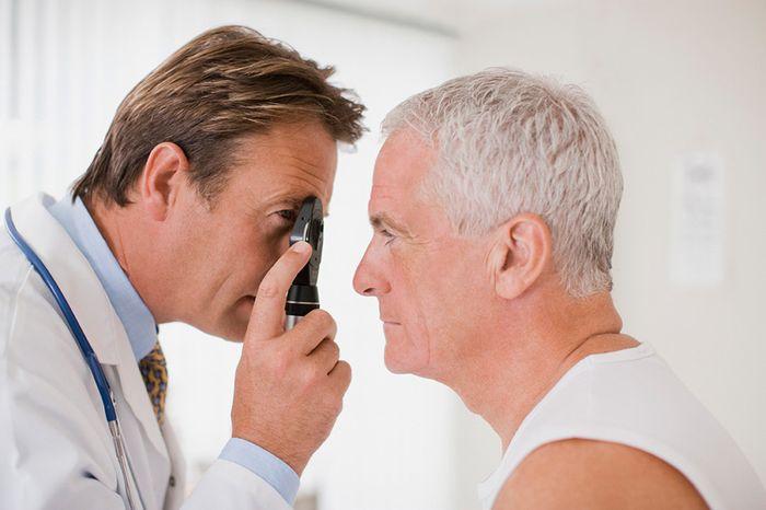 Осмотр глаз диагностика