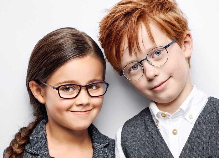 Дети в очках для зрения