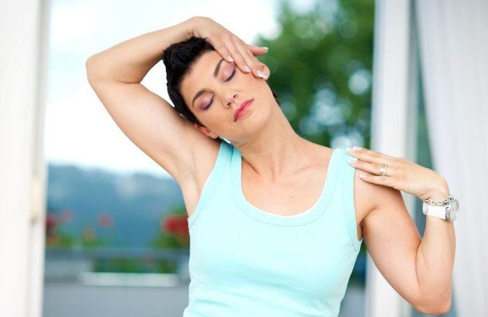 Массаж и упражнения для шеи