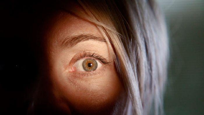 Поражается роговица глаза развивается куриная слепота thumbnail