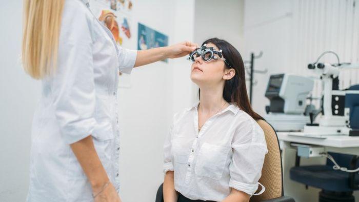 Консультация у офтальмолог