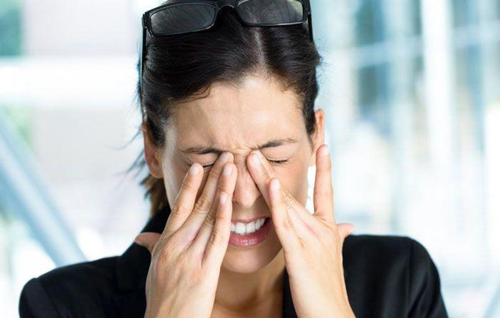 Боль в глазах от ношения линз