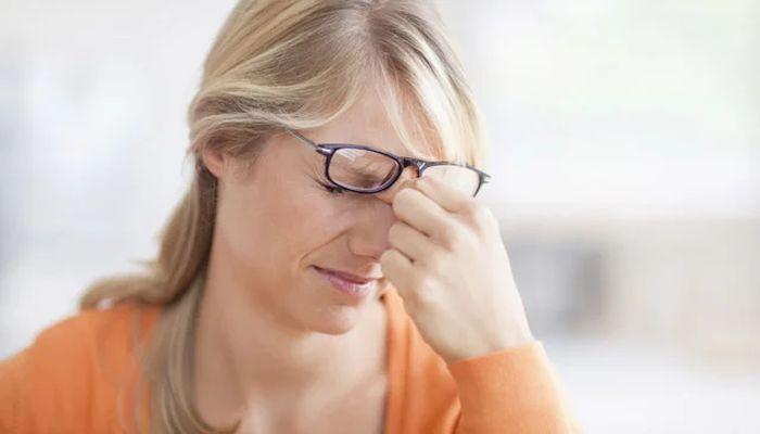 Симптомы повышения глазного давления