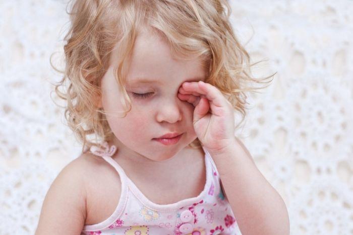 Жжение в глазах у ребенка