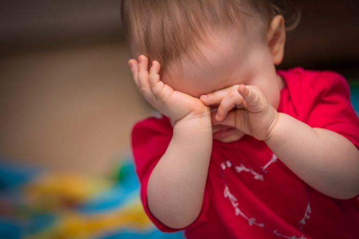 Чешутся глаза от коньюктивита у ребенка