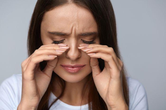 Боль и покраснение глаз
