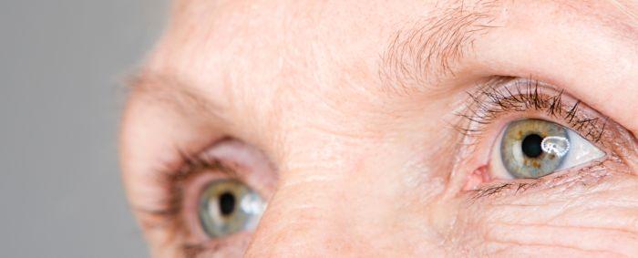 Глаза пожилой женщины