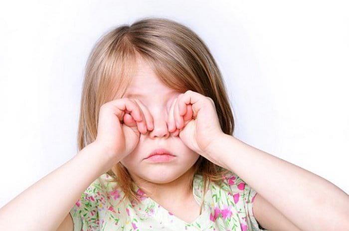 Болят глаза у ребенка