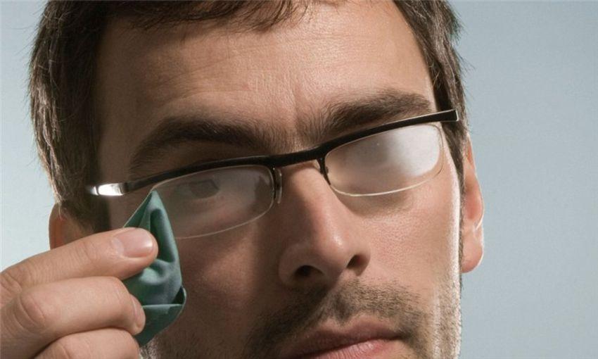 Эффект «запотевания» линз очков
